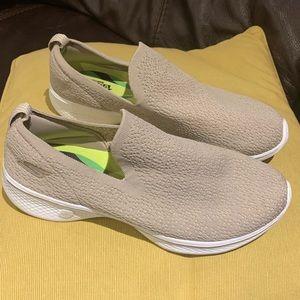 Skechers Goga Max Slip on Shoes - Size 9.5